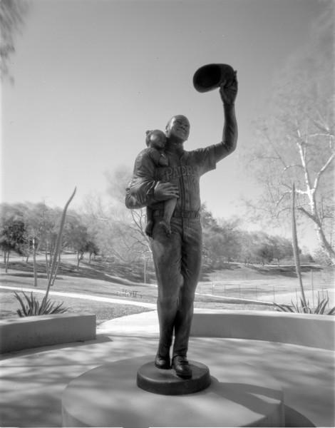 Tony Gwynn Statue at Lake Poway