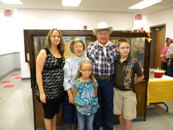 Pioneer Days Granny and Pappy 2012-13, Jackie and Bill Hart and family