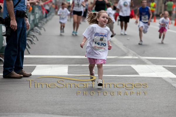 Pittsburgh Marathon 2012__0342