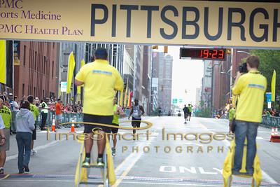 Pittsburgh Marathon 2012__0977