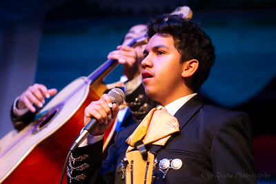 b. iden payne awards - Mariachi del Oro performs