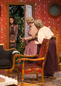 Different Stages presents Arsenic and Old Lace