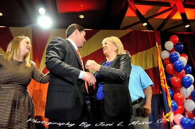 Newly-Elected Arizona Governor Doug Ducey with Stella Paolini - Mujeres Unicas