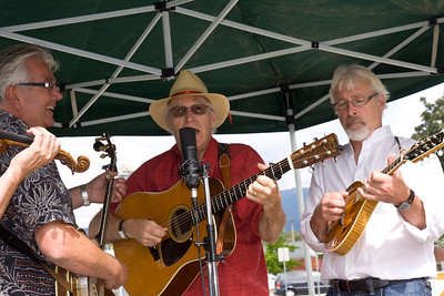 Bluegrass band performing at Vintage CPR train rides, Port Coquitlam 2013 Homecoming celebration