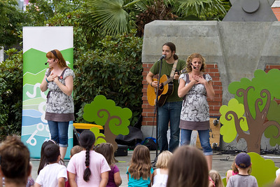 Bobs and Lolo entertain the children at Leigh Square. Port Coquitlam Homecoming weekend, August 17, 2013. Free concerts at Leigh Square and PoCo Rec Complex.