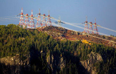Electricity above the forests of Quebec