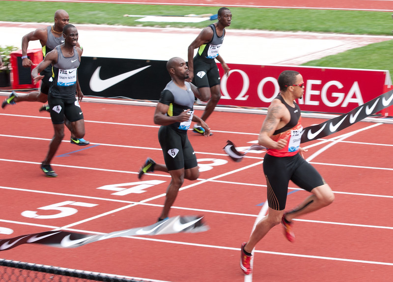 Wallace Spearmon, United States wins the 100m