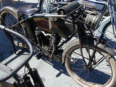 prettu bikes at alices 005
