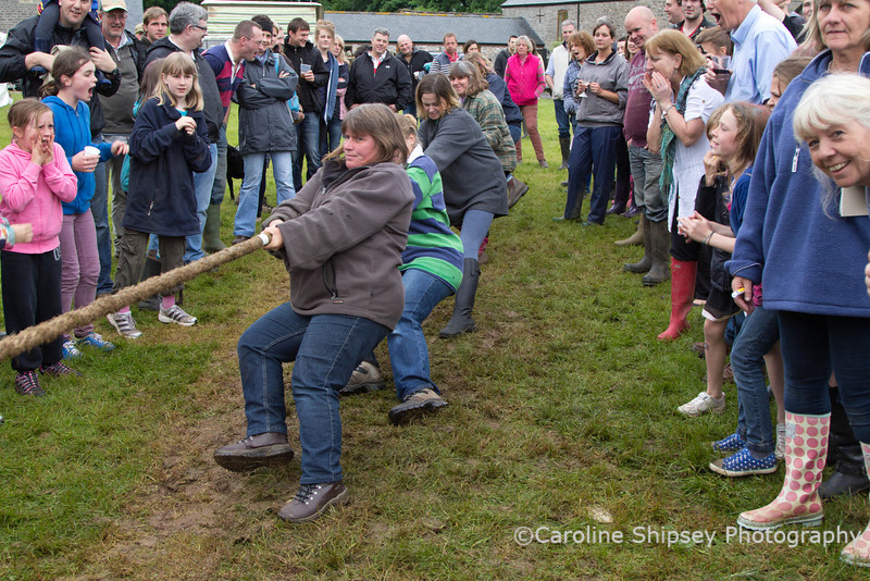 Friendly Society on the Green - Tug of War