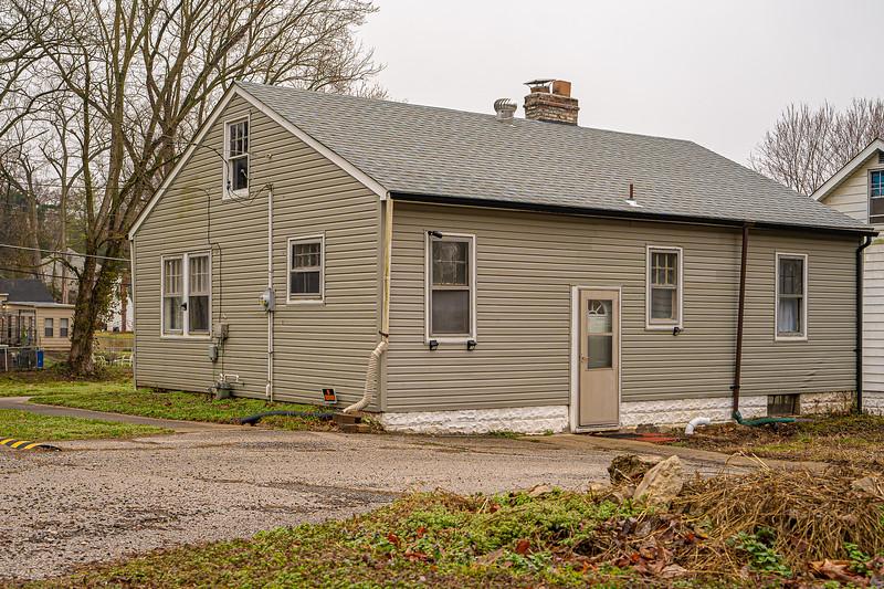 Real Estate 1437-00114