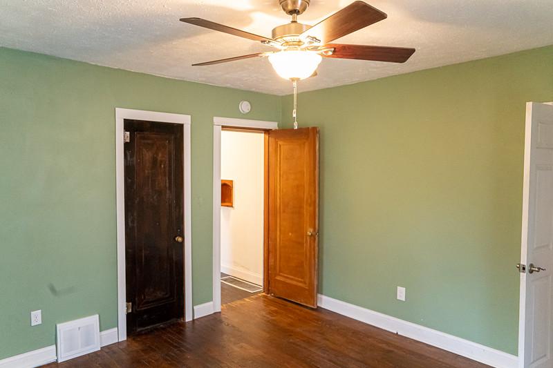 Real Estate 1437-00083-HDR