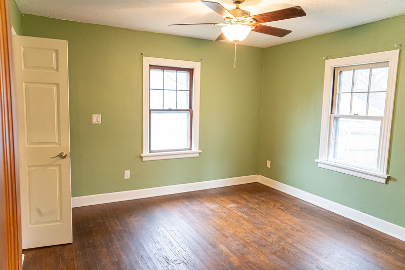 Real Estate 1437-00082-HDR