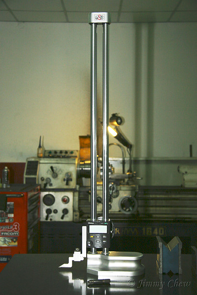 """<font color=""""yellow"""">A tooling equipment.</font><br>"""