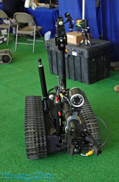 antoher bomb robot