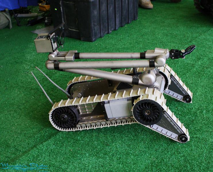 bomb  deactivation robot