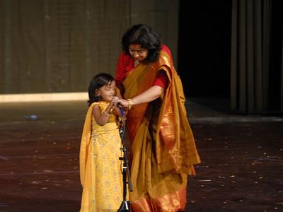 PujariDurgaPuja2006