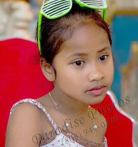girl  green glasses Punahou 0212 0293