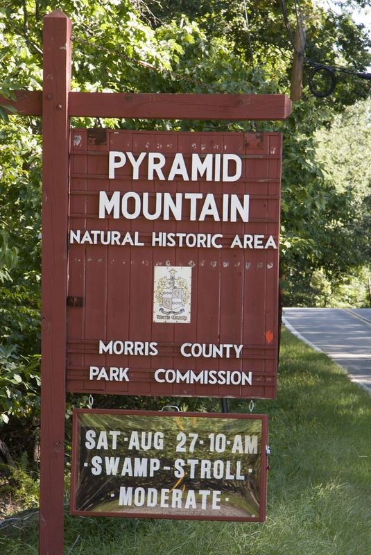 Pyramid mountain road sign