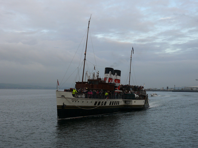 PS Waverley arriving at Custom House Quay.