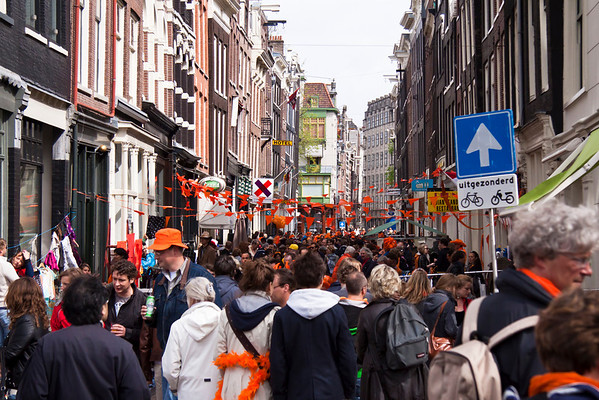 Queen's Day Crowds on the Nine Streets