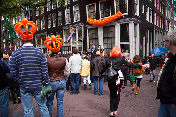 Queen's Day | dancing in the street