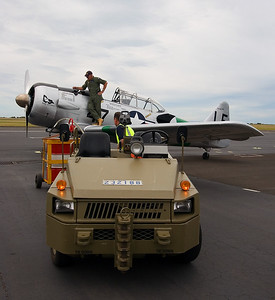 Pilot - Mike FALLS Snr - Refueling HARVARD 111 - RAAF Museum
