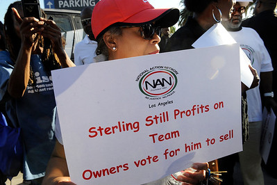 LOS ANGELES CA.RALLY OUTSIDE OF STAPLES CENTER IN RESPONSE TO THE RULING BY BASKET BALL COMMISSIONER MR. SILVER BANNING DON STERLING OWNER OF THE CLIPPERS FOR LIFE.APRIL 30,2014.(Photos by Valerie Goodloe