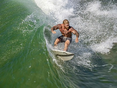 Muscle surfer ...good move