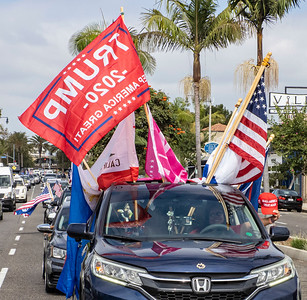 The rally of several hundred cars packed Pacific Coast Highway thru Corona del Mar.