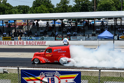 Helter Skelter burnout produces lots of smoke at NHRA Hot Rod Reunion