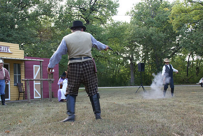 Skit performed by The Plainsmen. Gunfight.