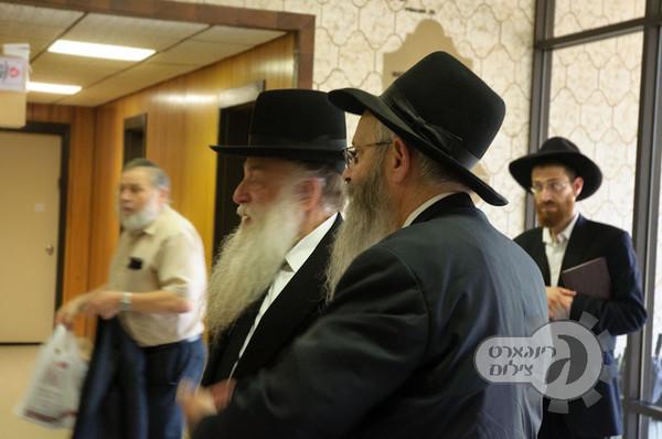 Rav Nosson Tzvi visit NIRC-3293