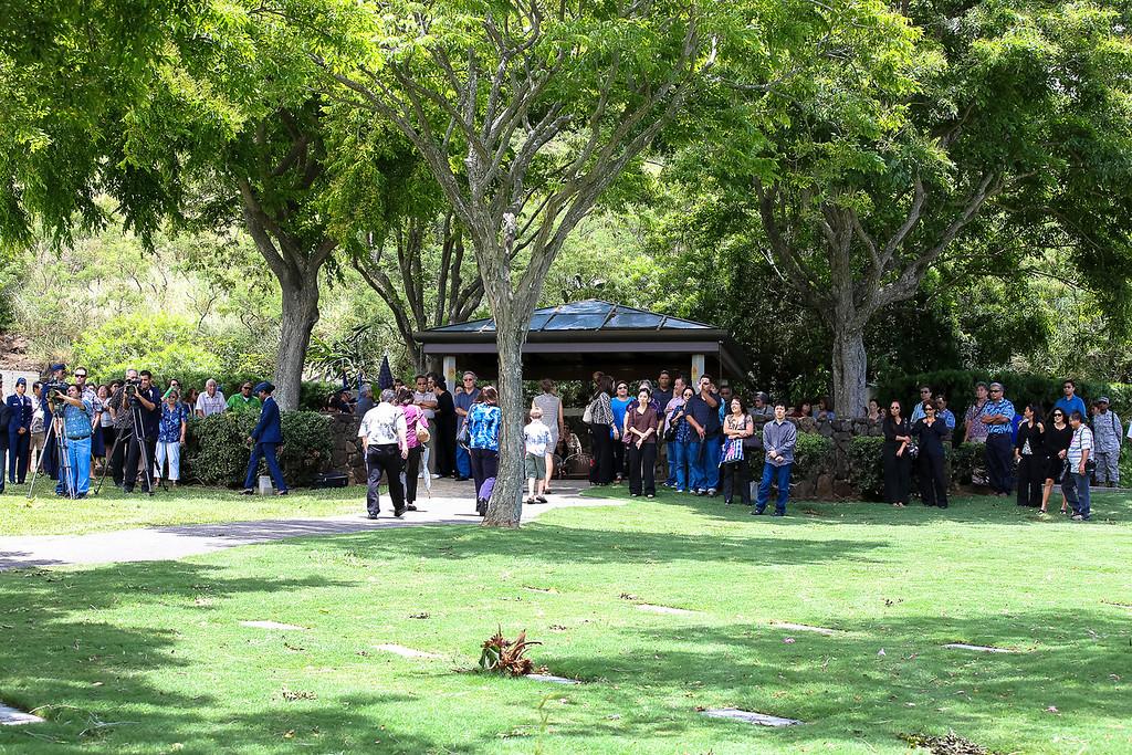 5735-Nishizuka_Reid_Punchbowl_Cemetery