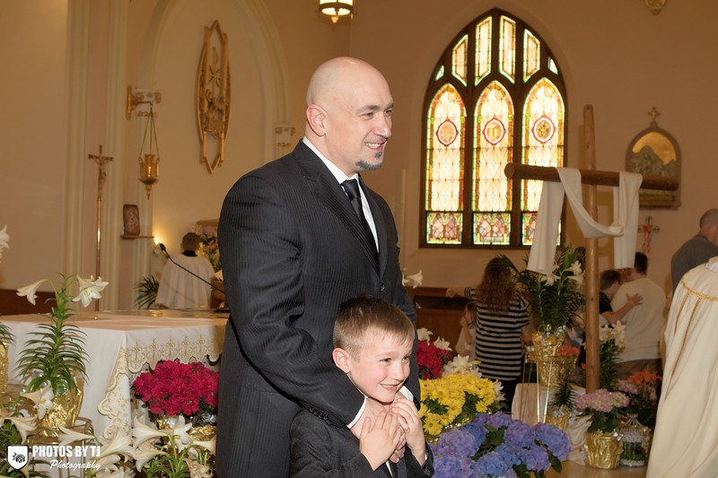 4/29/2017  TJ Dowling | St. Anthony Church First Communion <br /> <br /> Canon EOS 7D Mark II, EF24-70mm f/2.8L USM, @ f5.6, 1/100, ISO 800