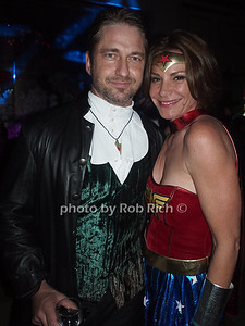 Gerard Butler, Countess Luann de Lesseps photo by Rob Rich/SocietyAllure.com © 2012 robwayne1@aol.com 516-676-3939