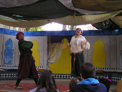 Renaissance Pleasure Faire, Hollister 2006: Marlowe's Shadow does 5 Shakespeare plays in 20 minutes: Romeo and...someone