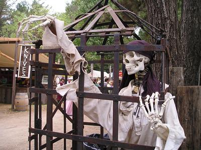 Renaissance Pleasure Faire, Hollister 2006: Waving to the tourists.