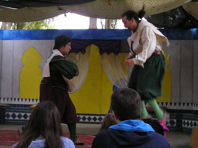 Renaissance Pleasure Faire, Hollister 2006: Marlowe's Shadow does 5 Shakespeare plays in 20 minutes: Hamlet and Laertes (I think) duel