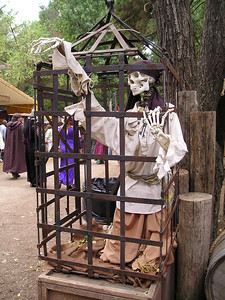 Renaissance Pleasure Faire, Hollister 2006: Waited too long in line for food at lunchtime.