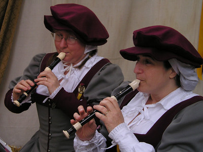 Renaissance Pleasure Faire, Hollister 2006: Recorder players, and nicely done, too.