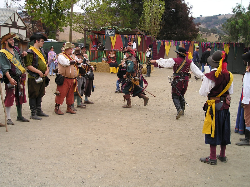 Renaissance Pleasure Faire, Hollister 2006:<br /> Yeomen of the Guard get their act together