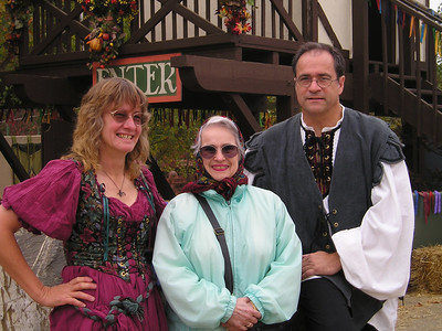 Renaissance Pleasure Faire, Hollister 2006: Here we are.
