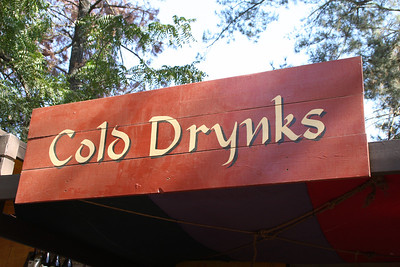 Cold Drynks sign.
