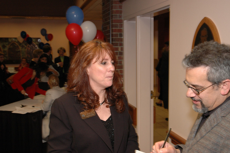 Kim Wyman, Thurston County Auditor with reporter.<br /> LD08-013