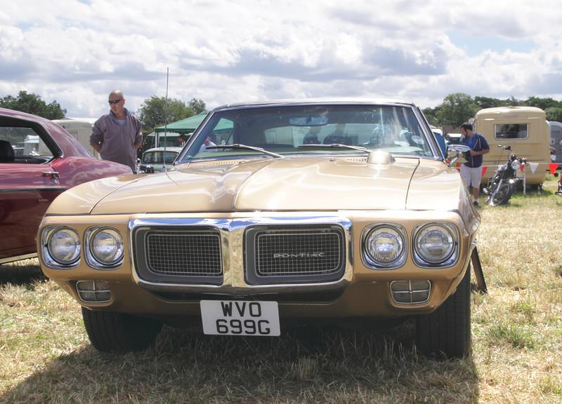 1969 Pontiac Firebird at White Waltham Retro Festival 2013