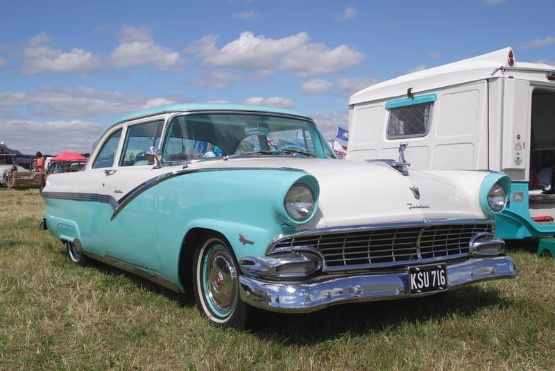 1950s Ford Fairlane at White Waltham Retro Festival 2013