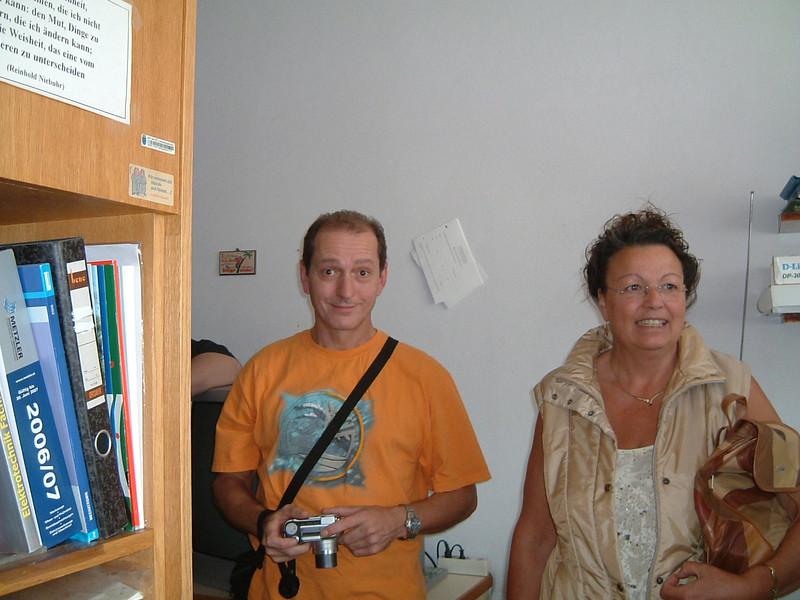 Hannes und Lore im Sprechzimmer der Lehrer!!!
