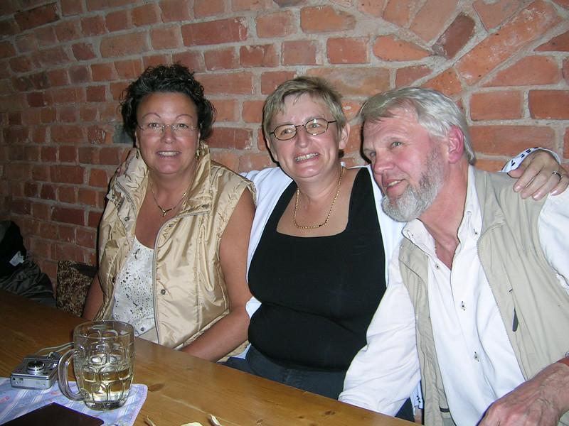 Fritz mit seinen beiden Mädls