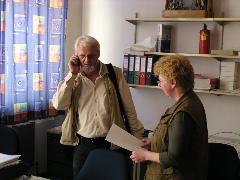 Fritz mit seiner Nachfolgerin Frau Ehrenhöfer Hannelore unterrichtet auch Elektotechnik