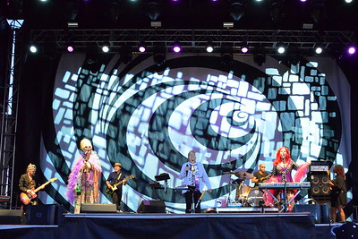Ribfest 2017 - Naperville, Illinois - The B-52's